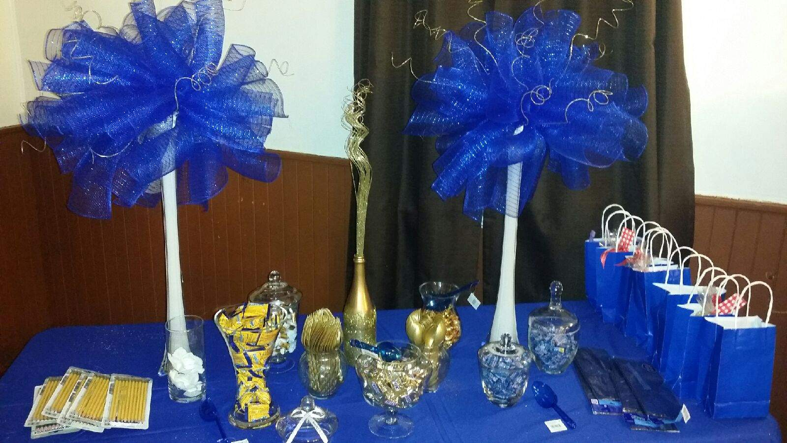 royal blue and gold baby shower ideas